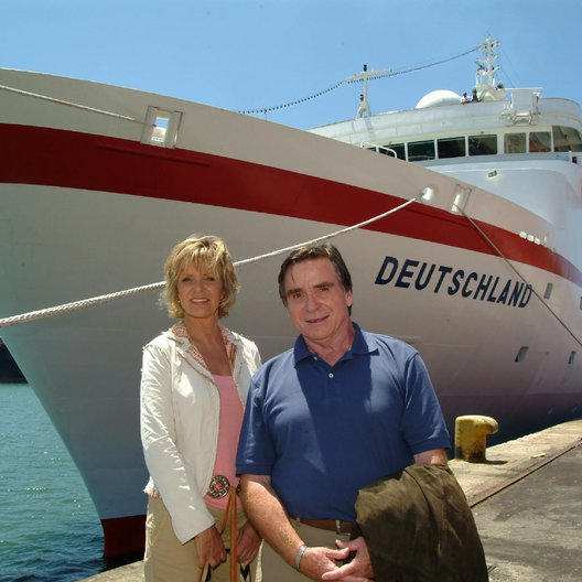 Traumschiff: Botswana, Das (ZDF / ORF) / Ulrike Kriener / Elmar Wepper Poster