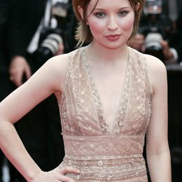 Emily Browning / 64. Filmfestspiele Cannes 2011 Poster