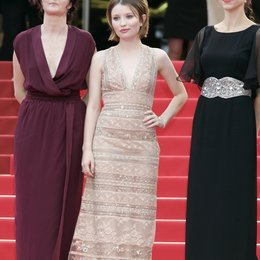 Julia Leigh / Emily Browning / Rachael Blake / 64. Filmfestspiele Cannes 2011 Poster