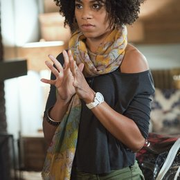 Emily Owens / Kelly McCreary Poster