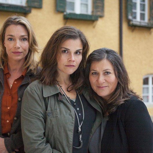 Mord am Höllengrund (ZDF) / Katharina Wackernagel / Eva Mattes / Aglaia Szyszkowitz Poster