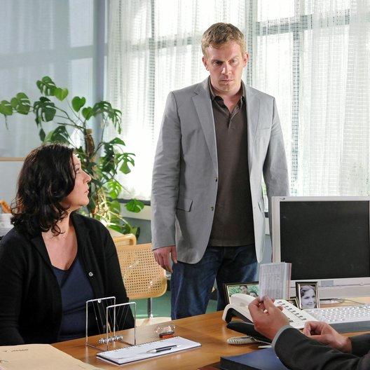 Tatort: Im Sog des Bösen (SWR) / Eva Mattes / Sebastian Bezzel Poster