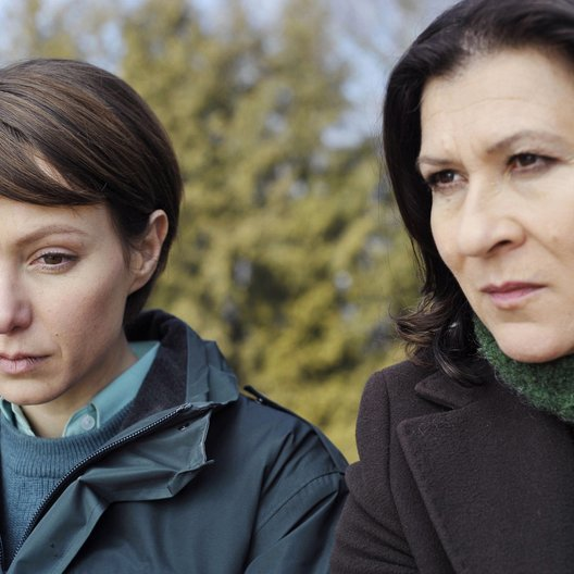 Tatort: Schmuggler / Julia Koschitz / Eva Mattes Poster