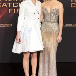 Die Tribute von Panem - Catching Fire / Filmpremiere / Jennifer Lawrence / Elizabeth Banks Poster