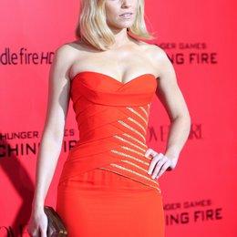 """Elizabeth Banks / Filmpremiere """"Die Tribute von Panem - Catching Fire"""" Poster"""
