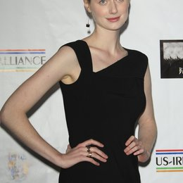Elizabeth Debicki / at the 8th Annual 'Oscar Wilde: Honoring The Irish In Film' Pre-Academy Awards Event 2013 Poster