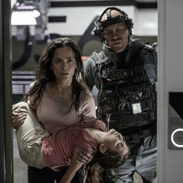 Elysium / Alice Braga / Josh Blacker
