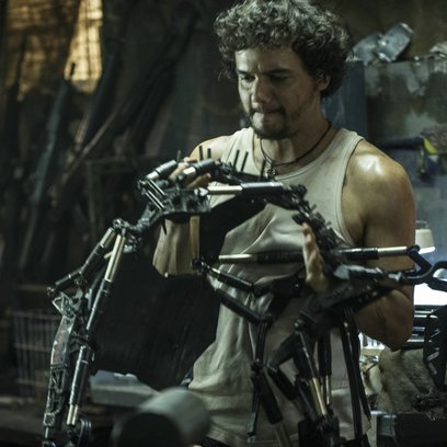 Elysium / Wagner Moura Poster
