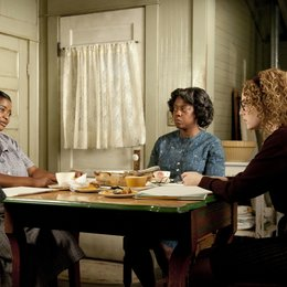 Help, The / Octavia Spencer / Viola Davis / Emma Stone
