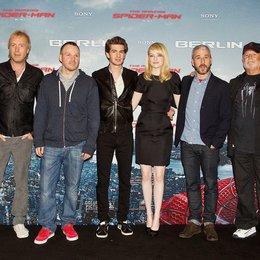 """Photocall zu """"The Amazing Spider-Man"""" in Berlin / Rhys Ifans, Marc Webb, Andrew Garfield, Emma Stone, Matt Tolmach und Avi Arad Poster"""