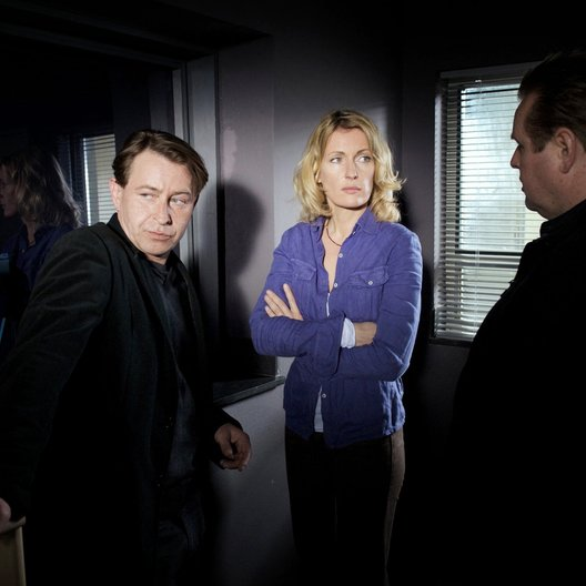 Tatort: ... es wird Trauer sein und Schmerz / Tatort: Es wird Trauer sein und Schmerz (NDR) / Maria Furtwängler / Felix Vörtler Poster