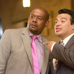 Our Family Wedding / Forest Whitaker / Carlos Mencia