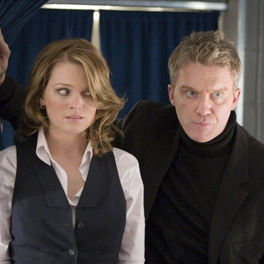 Final Approach - Im Angesicht des Terrors / Final Approach / Anthony Michael Hall / Sunny Mabrey