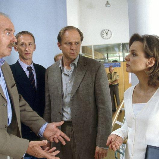 Verbrechen des Professor Capellari: Zerbrechliche Beweise, Die (ZDF) / Friedrich von Thun / Ulrich Tukur / Gilbert von Sohlern / Sissy Höfferer
