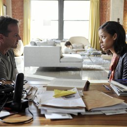 Touch / Kiefer Sutherland / Gugu Mbatha-Raw Poster
