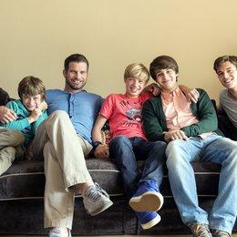 Herzensbrecher - Vater von vier Söhnen (ZDF) / Herzensbrecher - Vater von vier Söhnen (1. Staffel, 10 Folgen) Poster