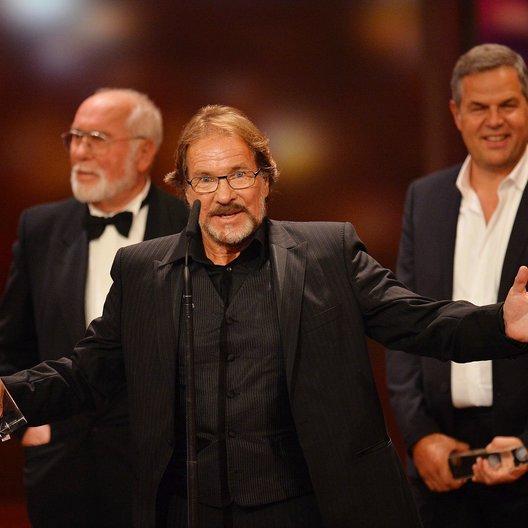 """Deutscher Fernsehpreis, 15. / Götz George, ausgezeichnet für """"George"""" Poster"""