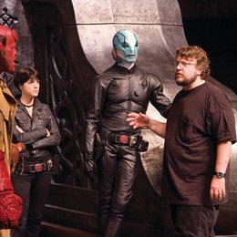 Hellboy - Die goldene Armee / Ron Perlman / Set / Guillermo Del Toro Poster