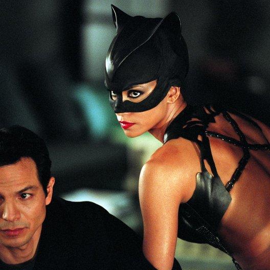 Catwoman / Benjamin Bratt / Halle Berry Poster