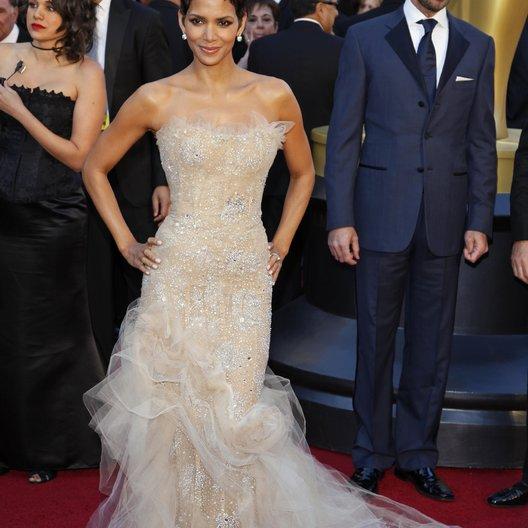 Halle Berry / 83rd Annual Academy Awards - Oscars / Oscarverleihung 2011 Poster