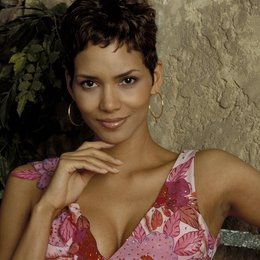 James Bond 007: Stirb an einem anderen Tag / Halle Berry Poster
