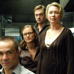 Post Mortem (1. Staffel, 9 Folgen) / Post Mortem (RTL) / Hannes Jaenicke / Anne Cathrin Buhtz / Charly Hübner / Therese Hämer Poster