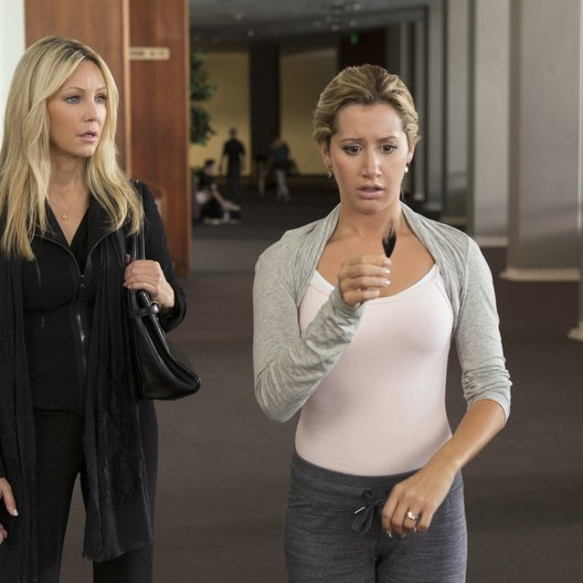 Scary Movie V / Scary Movie 5 / Heather Locklear / Ashley Tisdale Poster