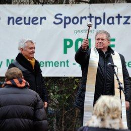 Pfarrer und das Mädchen, Der (ZDF) / Rainer Hunold / Henry Hübchen Poster
