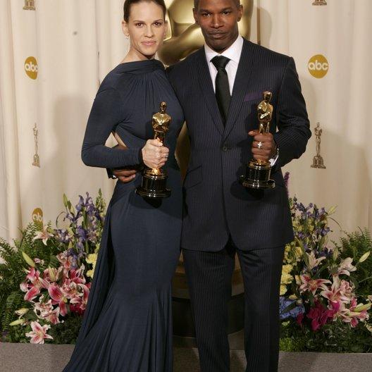"""77. Academy Awards 2005 / Oscar 2005 / Gewinner in der Kategorie """"Beste Hauptdarsteller/in"""" Hilary Swank und Jamie Foxx Poster"""