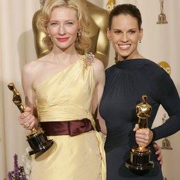 """77. Academy Awards 2005 / Oscar 2005 / Gewinner in der Kategorie """"Beste Nebendarstellerin"""" Cate Blanchett und """"Beste Hauptdarstellerin"""" Hilary Swank Poster"""