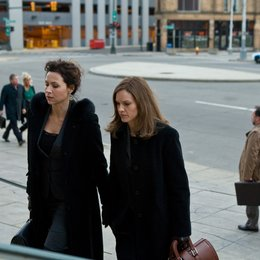 Betty Anne Waters / Minnie Driver / Hilary Swank Poster