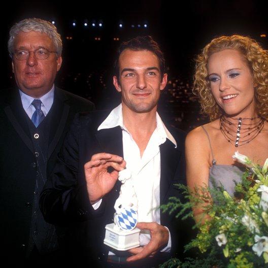 """Bayerischer Fernsehpreis """"Blaue Panther"""" 2000 / Hans Meiser, Hans-Werner Meyer und Antje Schmidt Poster"""