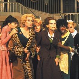 8 Frauen / Ludivine Sagnier / Virginie Ledoyen / Cathérine Deneuve / Danielle Darrieux / Isabelle Huppert / Firmine Richard / Emmanuelle Beart Poster