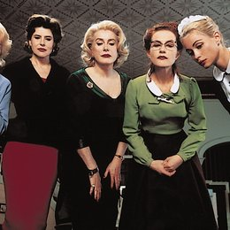 8 Frauen / Virginie Ledoyen / Danielle Darrieux / Fanny Ardant / Cathérine Deneuve / Isabelle Huppert / Emmanuelle Béart / Ludivine Sagnier Poster