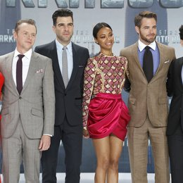 Alice Eve / Simon Pegg / Zachary Quinto / Zoe Saldana / Chris Pine / J.J. Abrams / Filmpremiere Star Trek Into Darkness Poster