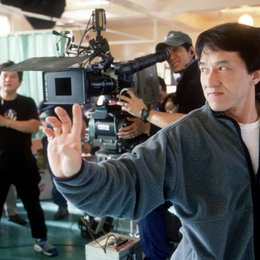 Medaillon, Das / Jackie Chan / am Set