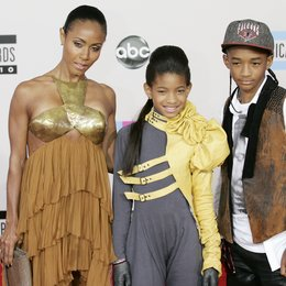 Jada Pinkett Smith / Willow Smith / Jaden Smith / American Music Awards 2010 Poster