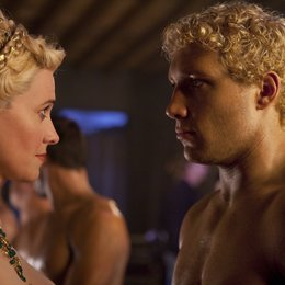 Spartacus: Blood and Sand (1. Staffel, 13 Folgen) / Jai Courtney / Lucy Lawless Poster