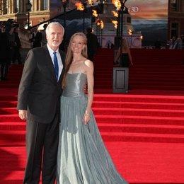 Premiere: Titanic 3D / James Cameron / Suzy Amis