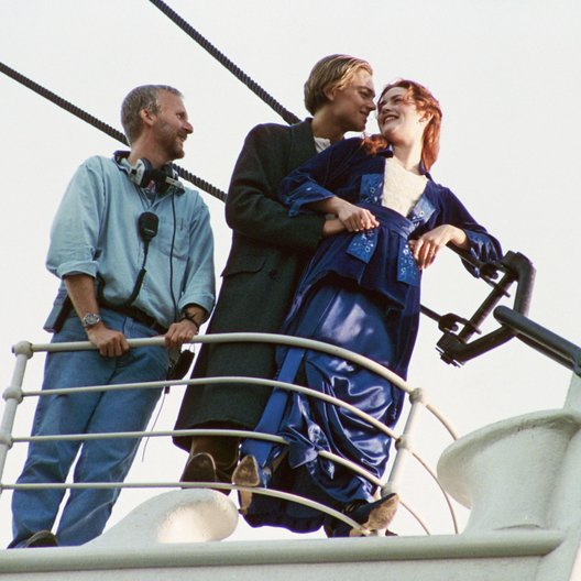 Titanic 3D F/ Set / James Cameron / Leonardo DiCaprio / Kate Winslet Poster