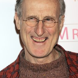 "James Cromwell / Premiere von ""Mrs. Henderson Presents"" Poster"