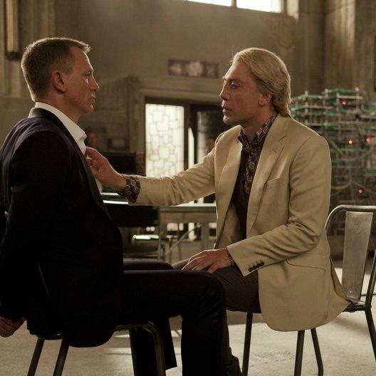 Skyfall / Daniel Craig / Javier Bardem Poster