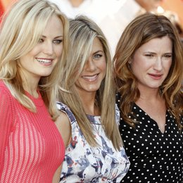 Malin Akerman / Jennifer Aniston / Kathryn Hahn / Ein Stern für Jennifer Aniston am Hollywood Walk of Fame Poster