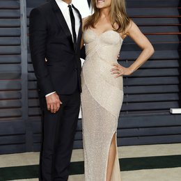 Theroux, Justin / Aniston, Jennifer / Vanity Fair Oscar Party 2015 Poster