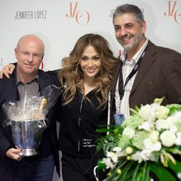 Fred Handwerker (links), Jennifer Lopez und Johannes Partow Poster