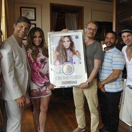 Katja Weiden, Frank Briegmann, Jennifer Lopez, Dirk Baur, Benny Medina (Lopez-Manager), Sven Kilthau-Lander (v.l.n.r.) Poster