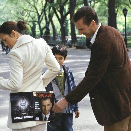 Manhattan Love Story / Jennifer Lopez / Tyler Garcia Posey / Ralph Fiennes