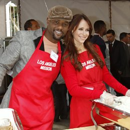 Blair Underwood / Jennifer Love Hewitt / Charity Thanksgiving in Los Angeles 2011