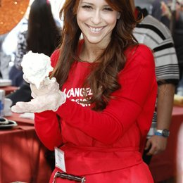 Jennifer Love Hewitt / Charity Thanksgiving in Los Angeles 2011 Poster