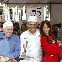Kirk Douglas / Antonio Villaraigosa / Jennifer Love Hewitt / Charity Thanksgiving in Los Angeles 2011 Poster